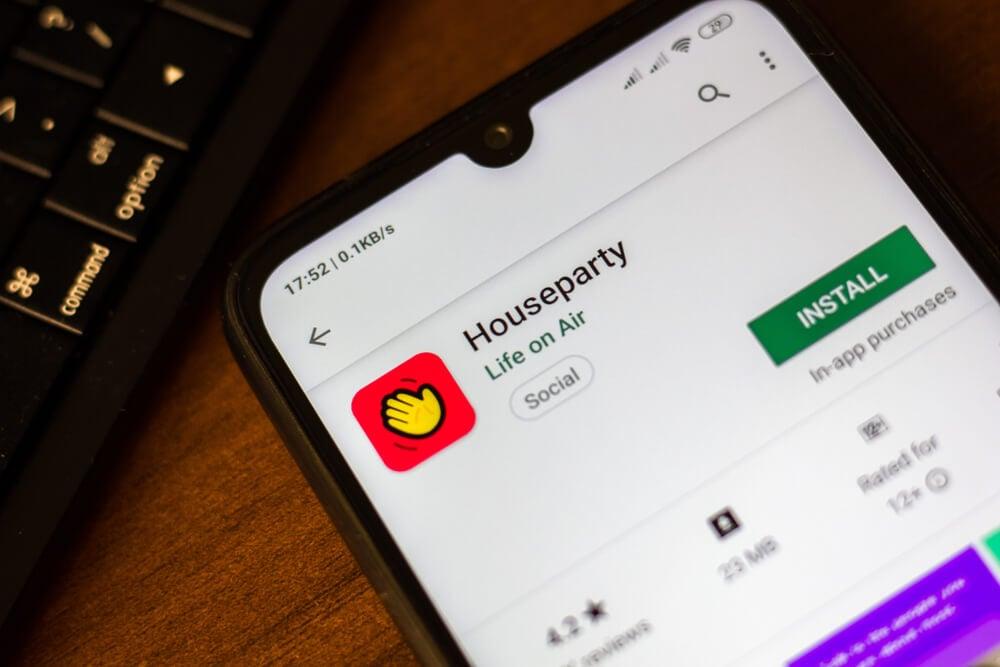 opçao baixar aplicativo houseparty em tela de smartphone