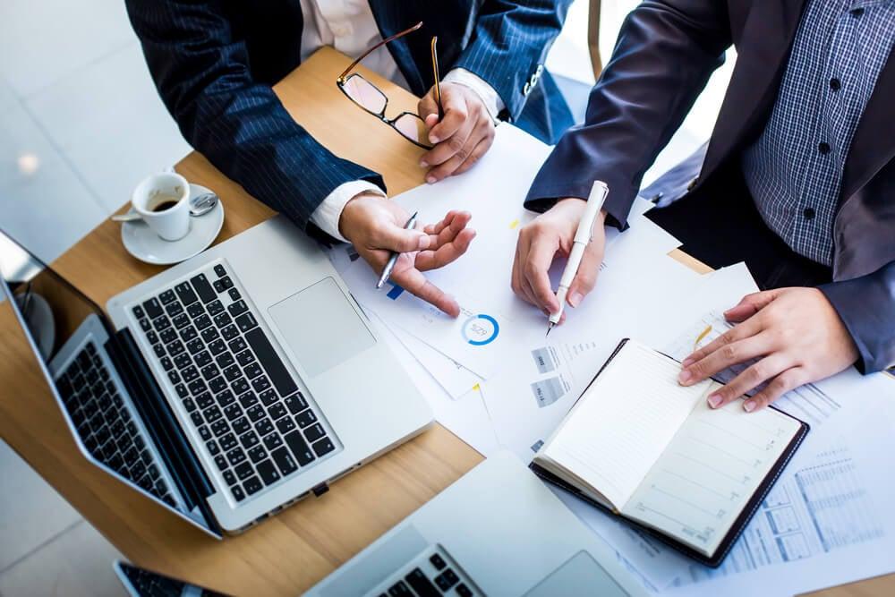 profissionais na elaboração de planejamento de vendas