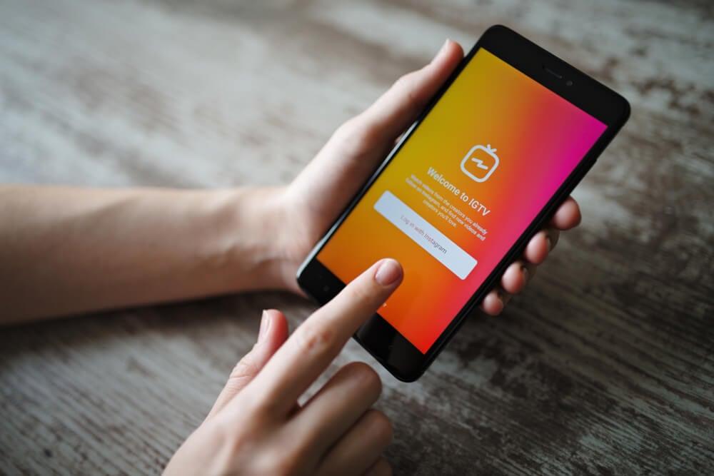 opçao de publicar IGTV em tela de smartphone