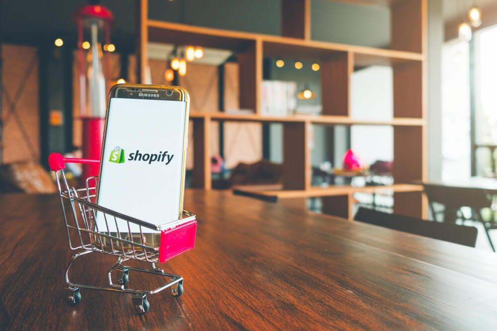 shopify como exemplo de plataforma de loja virtual