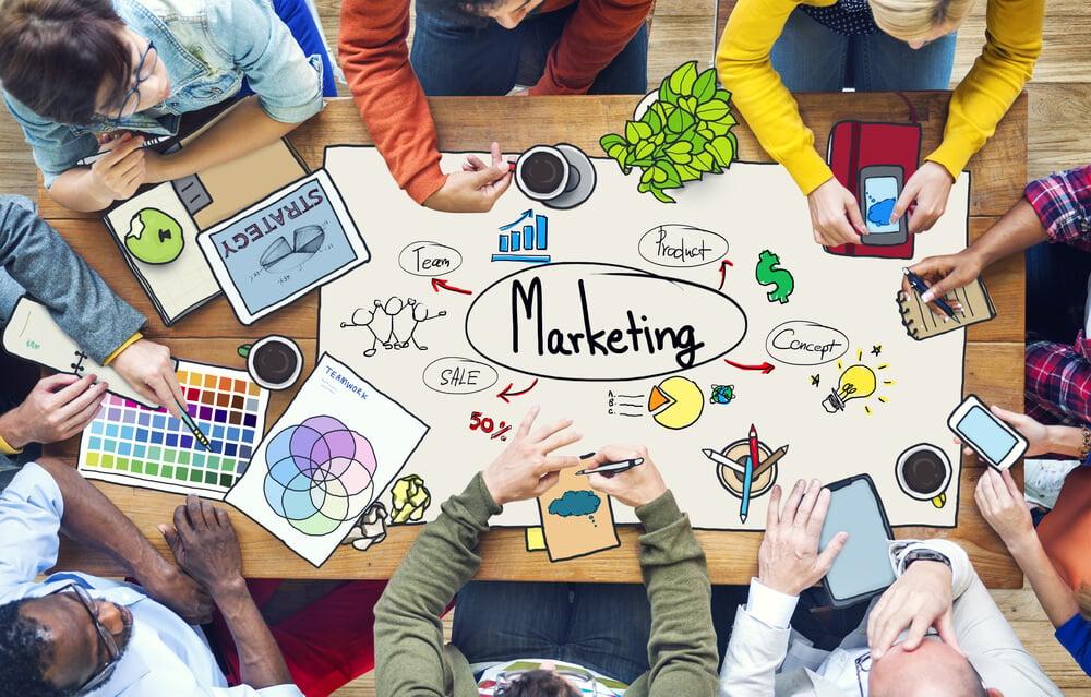 equipe de estratégia em ideias de marketing