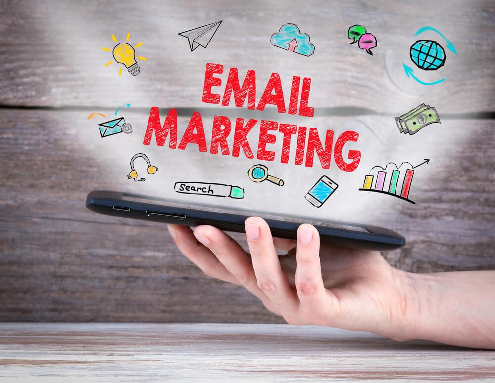 ilustração sob imagem relacionado com email marketinfg
