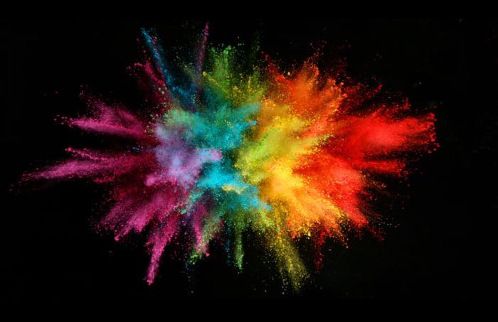 explosão de várias cores em um fundo preto