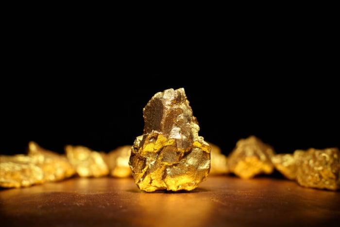 pedras de ouro