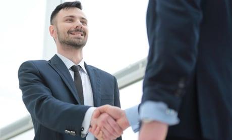 24 Tipps und Strategien, um sich mit Branchenexperten und Influencern zu vernetzen