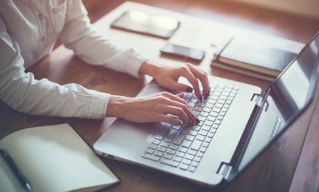 Copywriting: O Que é, Como Fazer e Que Técnicas Usar (+ Exemplos)